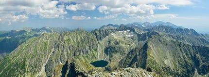 Panoramiczny widok na Wysokich Tatrzańskich górach zdjęcie royalty free
