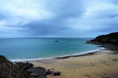 Panoramiczny widok nad brzegową linią przy Święty Ciskający Le Guildo Brittany Francja Europa zdjęcie stock