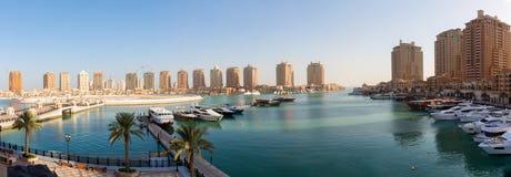 Panoramiczny widok nad perłą w Doha fotografia stock