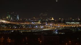 Panoramiczny widok nocy metropolia zbiory wideo