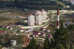 Panoramiczny widok nowy sąsiedztwa Jan fabritsiusa: wzrostów wieżowowie obok produkcja budynków i domy Obraz Royalty Free