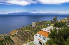 Panoramiczny widok od Agulo miasteczka Zdjęcie Stock