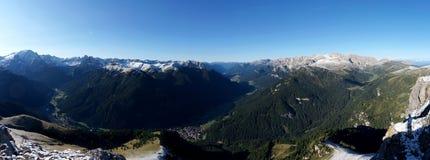 Panoramiczny widok od col rodella w val Di Fassa i rosengarten Fotografia Stock