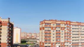 Panoramiczny widok od Mieszkaniowego kompleksu chałupy zbiory wideo