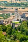 Panoramiczny widok od Rocca Maggiore z Świątobliwą Francis bazyliką, Assisi, Umbria, Włochy zdjęcie royalty free
