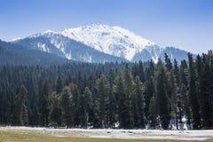 Panoramiczny widok pięknego góra krajobrazu mała wioska amo Zdjęcia Royalty Free
