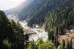Panoramiczny widok pięknego góra krajobrazu mała wioska amo Zdjęcie Stock