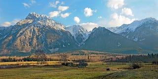 Panoramiczny widok piękny Nabrzeżny pasmo górskie obrazy royalty free
