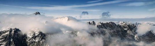 Panoramiczny widok piękny krajobraz w Wysokim Tatras Zdjęcie Stock