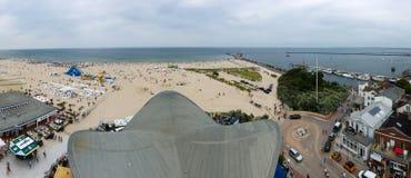 Panoramiczny widok plażowy gromadzki Warnemunde Obraz Stock