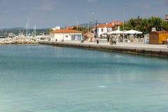 Panoramiczny widok port Nikiti przy Sithonia półwysepem, Chalkidiki, cent Obrazy Stock