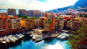 Panoramiczny widok Portowy De Fontvieille w Monaco Azur brzegowa Kolorowa zatoka z mnóstwo luksusowymi jachtami obraz stock