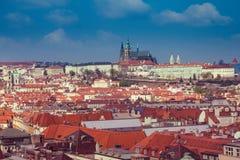 Panoramiczny widok Praga kopuły i dachy cesky krumlov republiki czech miasta średniowieczny stary widok europejczycy obrazy stock