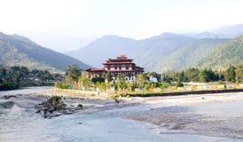 Panoramiczny widok Punakha Dzong przy Punakha, Bhutan Fotografia Stock