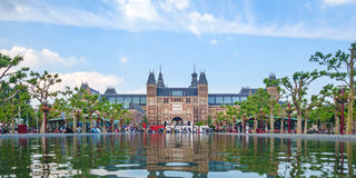 Panoramiczny widok Rijksmuseum z I Amsterdam podpisuje wewnątrz f Fotografia Stock