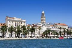 Panoramiczny widok Rozszczepiony Chorwacja zdjęcia stock
