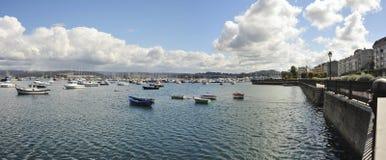 Panoramiczny widok Sada port   (Galicia, Hiszpania,) Zdjęcie Royalty Free