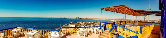 Panoramiczny widok Skalisty punkt, Meksyk Od falezy restauraci zdjęcia stock