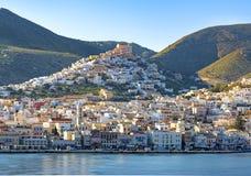 Panoramiczny widok Syros miasteczko, Cyclades wyspy, Grecja obrazy royalty free