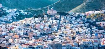Panoramiczny widok Syros miasteczko, Cyclades wyspy, Grecja zdjęcie stock