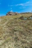 Panoramiczny widok typowi kamienie mieści Sassi di Matera Matera UNESCO Europejski kapitał kultura 2019 pod niebieskim niebem Bas Obrazy Royalty Free