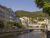Panoramiczny widok w Karlovy Zmienia aka Karlsbadzkiego, czecha zdroju sławne śliwki Obrazy Stock