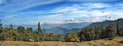 Panoramiczny widok wysokie góry w himalajach, India Obraz Stock