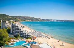 Panoramiczny widok Złoci piaski wyrzucać na brzeg w Bułgaria. Obraz Stock