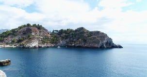 Panoramiczny widok z lotu ptaka Cefalu port morski i Tyrrhenian Denny wybrzeże, Sicily, Włochy Cefalu miasto jest jeden ważny zbiory