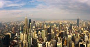 Panoramiczny widok z lotu ptaka Kuala Lumpur linia horyzontu obrazy royalty free