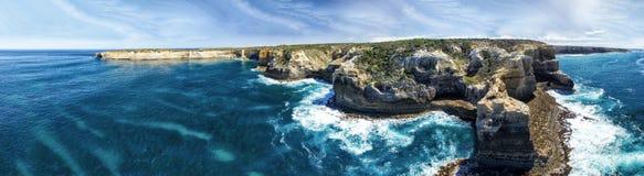 Panoramiczny widok z lotu ptaka Wielkiej ocean Drogowej linii brzegowej pobliski port Ca Zdjęcie Stock