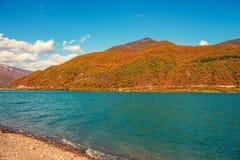 Panoramiczny widok Zhinvali rezerwuar Fotografia Stock
