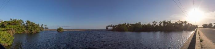 Panoramiczny widok zmierzch przy ujściem Atlantycki ocean w Lekki Lagos Nigeria Obrazy Royalty Free