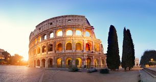 Panoramiczny wizerunek Colosseum kolosseum w Rzym, Włochy obrazy stock