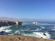 Panoramique de la côte près de la ville Chili d'Antofagasta image stock