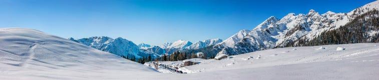 Panoramisch auf dem Schnee Stockfotos