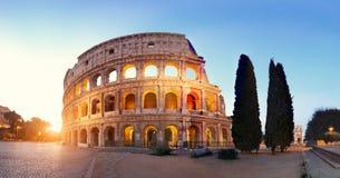 Panoramisch beeld van Colosseum Coliseum in Rome, Italië stock afbeeldingen