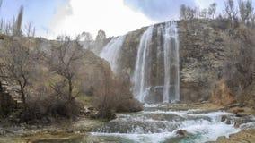 Panoramisch beeld van de waterval van Tortum Uzundere van neer in Uzundere, Erzurum stock afbeeldingen