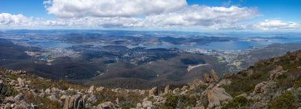Panoramisch beeld van Hobart in Tasmanige stock afbeeldingen