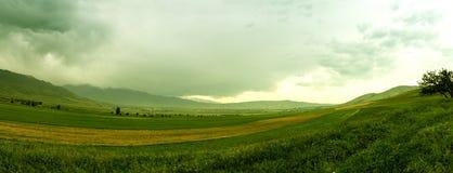 Panoramisch berglandschap stock afbeeldingen