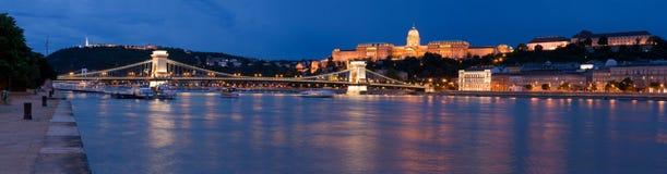 Panoramisch cityscape oriëntatiepunt koninklijk kasteel Buda stock afbeelding