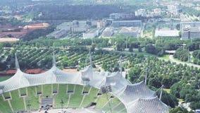 Panoramisch gezicht van het park in München stock videobeelden