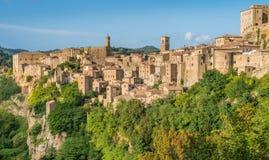 Panoramisch gezicht van Sorano, in de Provincie van Grosseto, Toscanië Toscanië, Italië stock foto