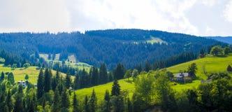 Panoramisch heuvelig dorp royalty-vrije stock fotografie