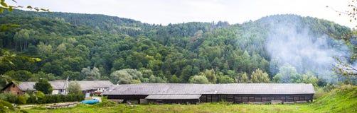 Panoramisch houten landbouwbedrijf royalty-vrije stock foto's
