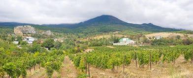 Panoramisch landschap in Krimbergen royalty-vrije stock afbeeldingen