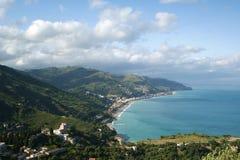 Panoramisch landschap van de Middellandse Zee stock foto's
