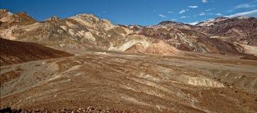 Panoramisch landschap van Kunstenaar Drive in Doodsvallei, Californië stock afbeelding