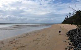 Panoramisch landschap van Torquay-strand in Hervey Bay stock fotografie