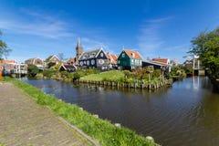 Panoramisch schot van dorp Marken Stock Foto's